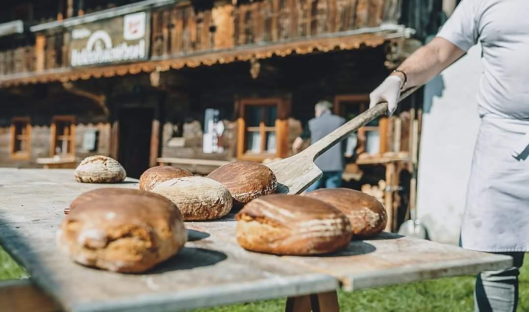Brotbacken am Kirchbichl